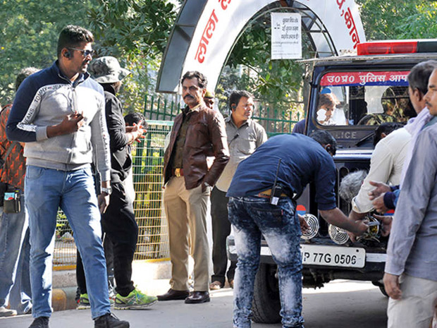 Nawazuddin Siddiqui's fan pulls out a scary stunt on the actor, gets nabbed by the police