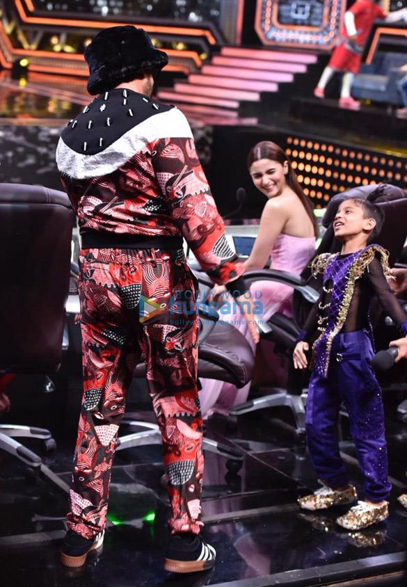 Ranveer Singh and Alia Bhatt promote Gully Boy on Super Dancer Chapter 3 (2)