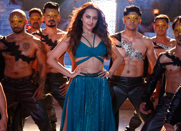 Sonakshi Sinha sizzles the Mungda look for Total Dhamaal