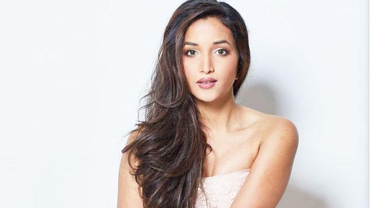 Srinidhi Shetty Instagram Tour S01E10 Bollywood Hungama
