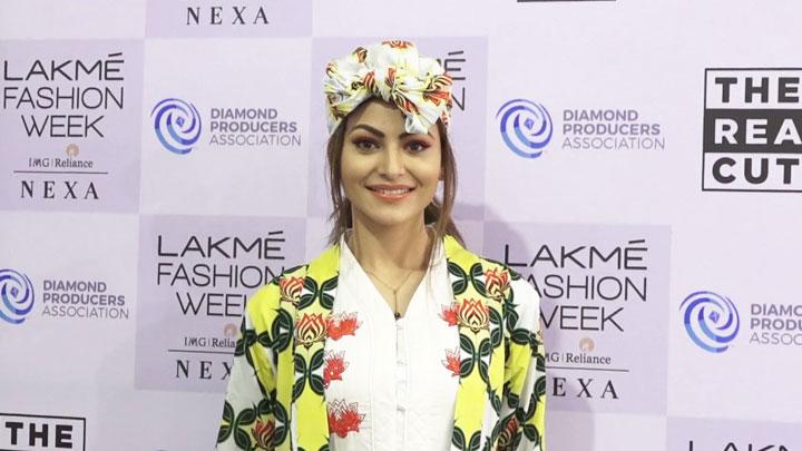 Urvashi Rautela on RAMP at Lakme FAshion Week Day 4 for Verandah Show