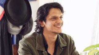 "Vijay Varma ""Ranveer Singh ne CHAAR GHANTE bina Ruke DANCE kiya aur…"" Gully Boy Moeen"