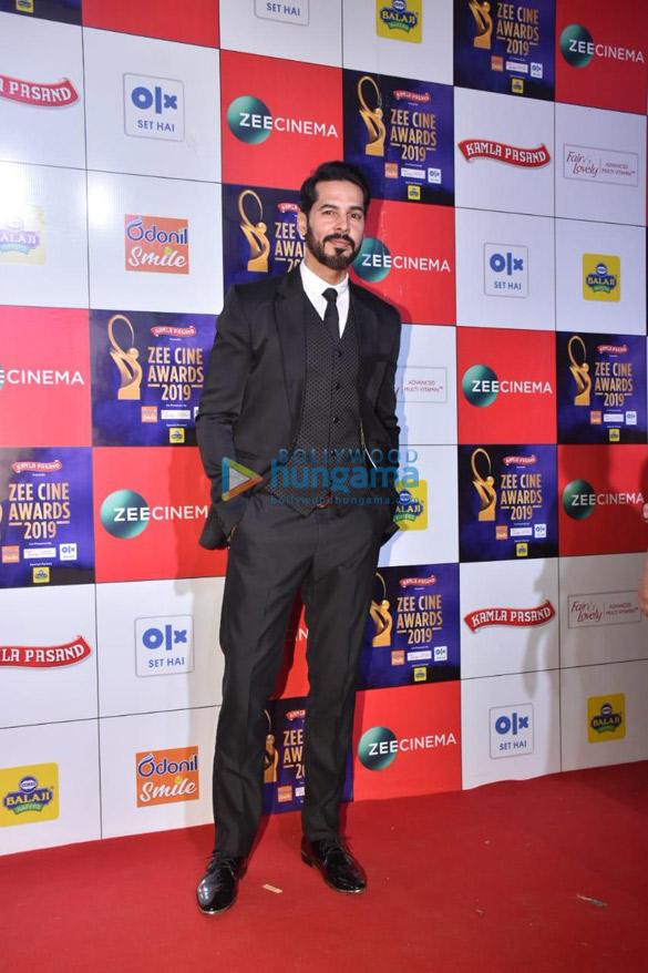 Celebs grace Zee Cine Awards 2019 (11)