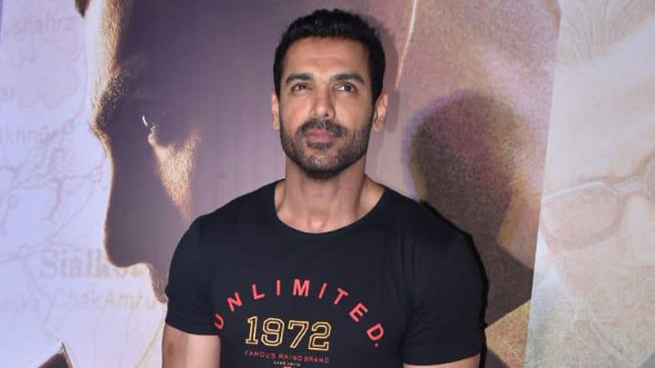 EPIC John Abraham RESPONDS to Kangana Ranaut's Statement on Ranbir Kapoor & Politics