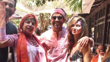 WATCH: Farhan Akhtar and Zoya Akhtar's GRAND Holi Celebrations with Many Celebs