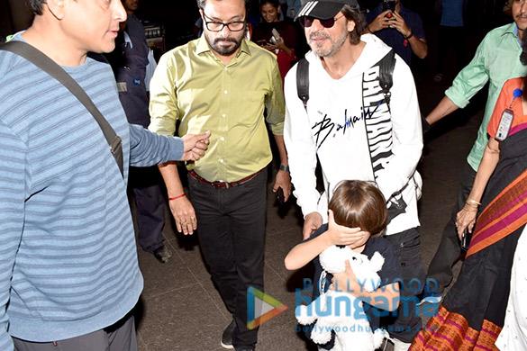 Salman Khan, Kareena Kapoor Khan, Esha Gupta and others snapped at the airport2 (1)