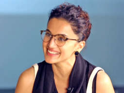 Taapsee Pannu Akshay Kumar is a VERY SECURE Actor Twitter Fan Questions Mission Mangal