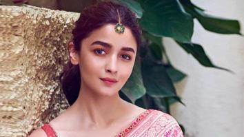 Alia Bhatt personifies grace in a dual shaded Tarun Tahiliani saree