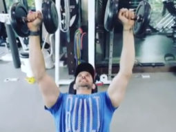 Hrithik Roshan delivers another another jaw-dropping workout video which will beat away your Monday blues
