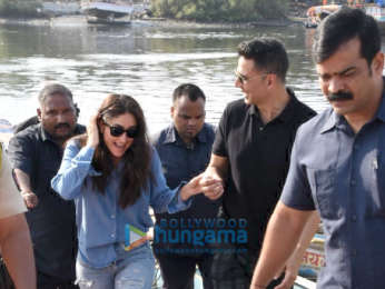 Kareena Kapoor Khan and Akshay Kumar snapped at the Versova jetty