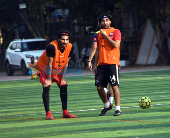 Ranbir Kapoor, Abhishek Bachchan and others snapped during a football match (5)