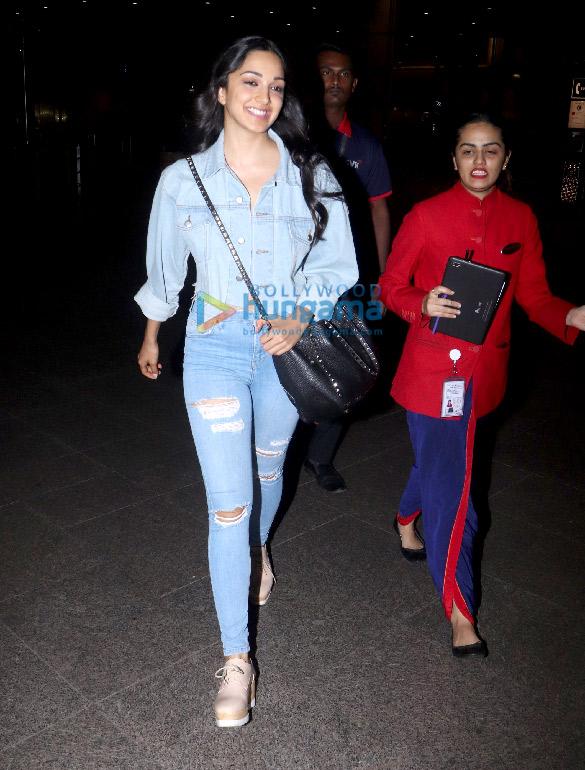 Anil Kapoor, Sonam Kapoor Ahuja, Sanjay Dutt and Kiara Advani snapped at the airport (5)