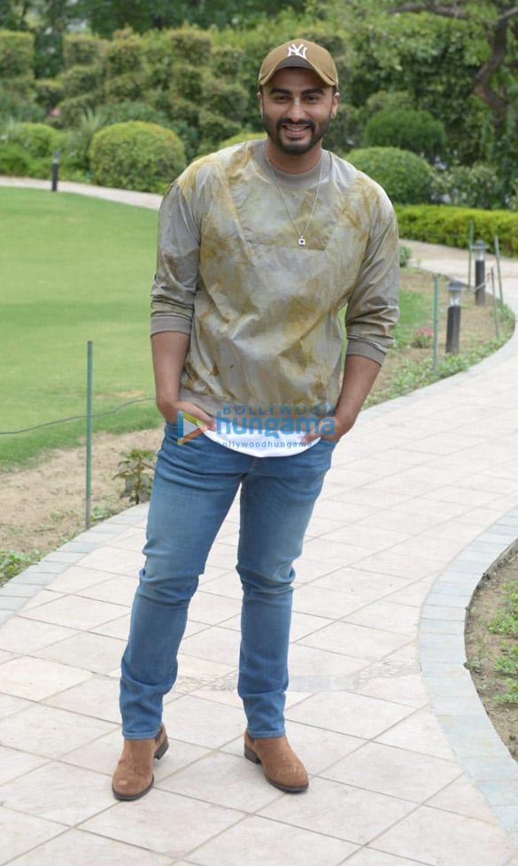 Arjun Kapoor & director Raj Kumar Gupta snapped during India's Most Wanted promotions in Delhi (5)