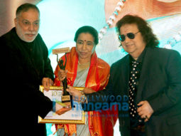 Asha Bhosle, Ankita Lokhande, Moushmi Chatterjee received 10th Newsmakers Achievers Award 2019