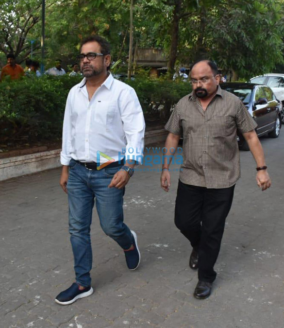Celebs snapped at Ajay Devgn's house arriving to pay their condolence (131)