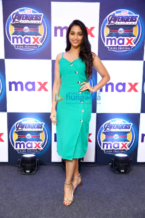 KGF actress Srinidhi Shetty relaunches Max store in Bangalore (3)
