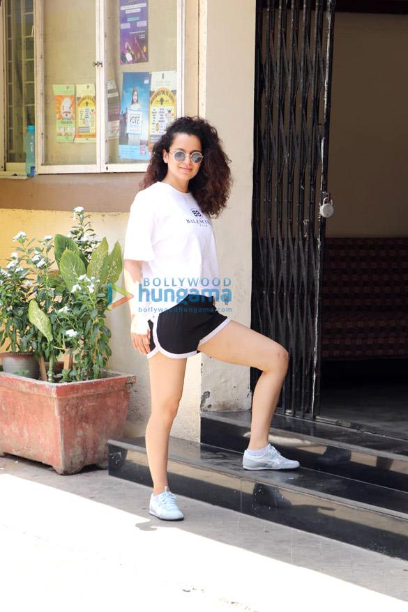 Kangana Ranaut spotted for her Kabaddi rehearsals at St Andrews in Bandra (1)
