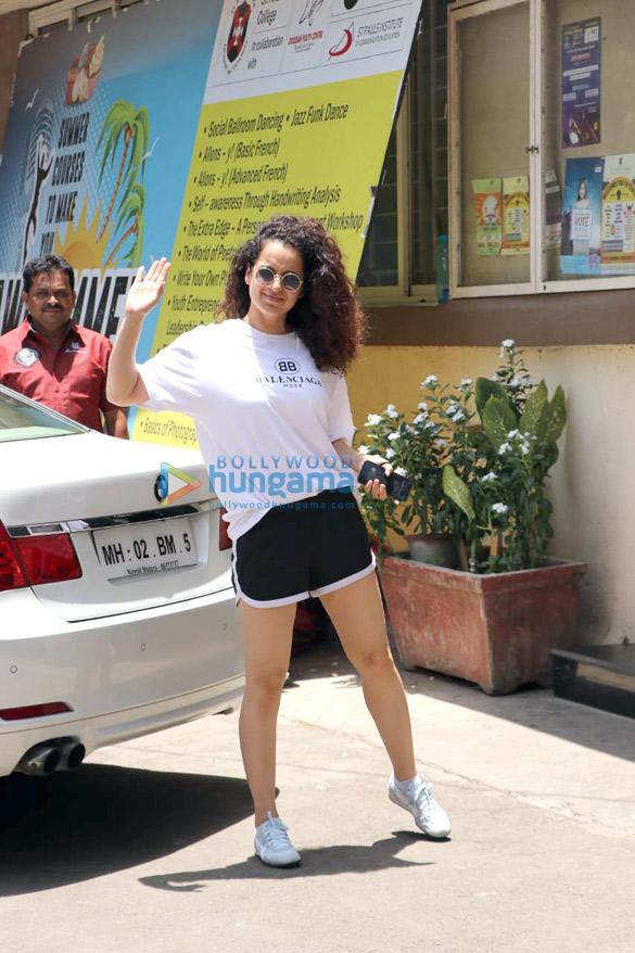 Kangana Ranaut spotted for her Kabaddi rehearsals at St Andrews in Bandra (2)