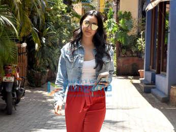 Kiara Advani snapped in Khar