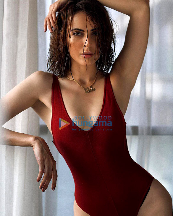 Celebrity Photos of Mandana Karimi