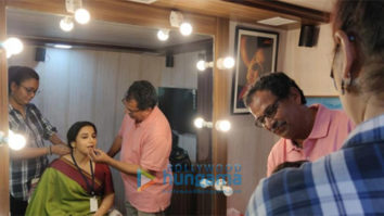 on the sets of the movie Mission Mangal