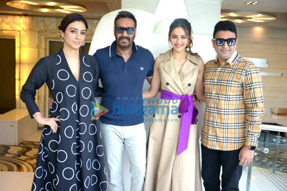 Photos: Ajay Devgn, Rakul Preet Singh and Tabu snapped during De De Pyaar De promotions