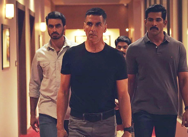 Rohit Shetty reveals Akshay Kumar's look and other details for Sooryavanshi in this intense photo