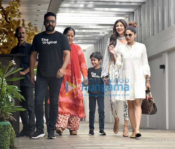 Shilpa Shetty and Shamita Shetty snapped with her mom at Juhu PVR