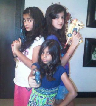 THROWBACK THURSDAY: Ananya Panday celebrates Suhana Khan's 19th birthday with throwback photo recreating Charlie's Angels iconic pose with Shanaya Kapoor