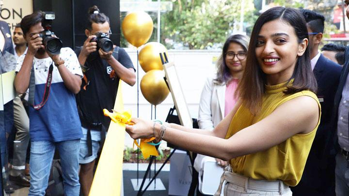 UNCUT Radhika Apte Grace the Launch of Van Heusen's New Store at Bandra
