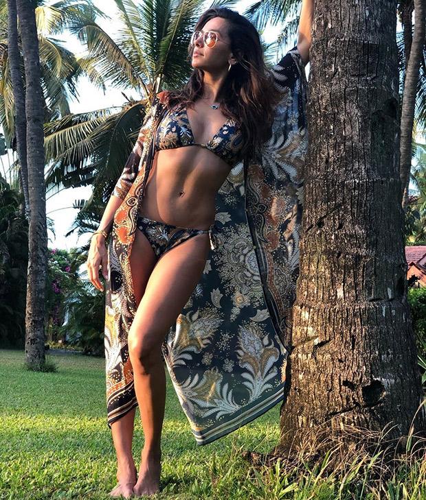 Summer just got HOTTER! Shibani Dandekar flaunts this bikini look in this floral bikini as she spends some beachy time with Farhan Akhtar