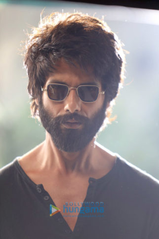 kabir singh poster images wallpapers hd images pictures bollywood hungama