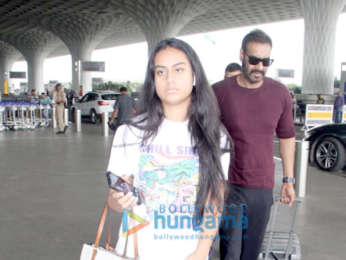 Photos: Ajay Devgn and Sussanne Khan snapped at the airport