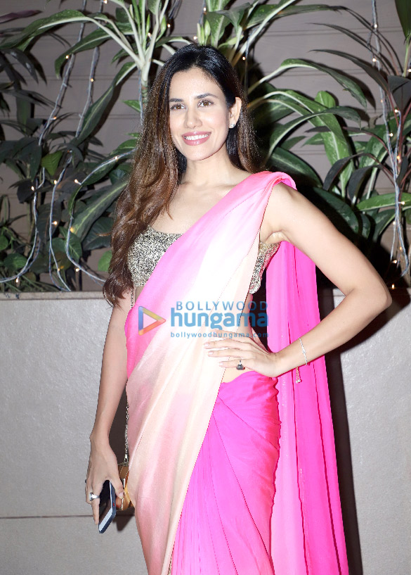Photos: Esha Gupta, Sunny Leone, Iulia Vantur and others grace Raza Beig's Eid bash
