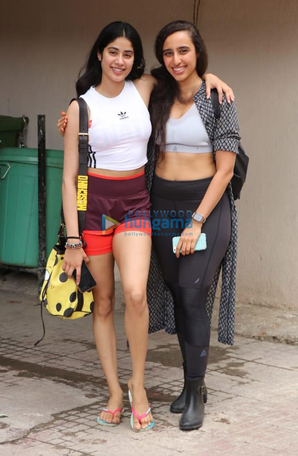 Photos Janhvi Kapoor, Yami Gautam and others spotted at the gym (2)