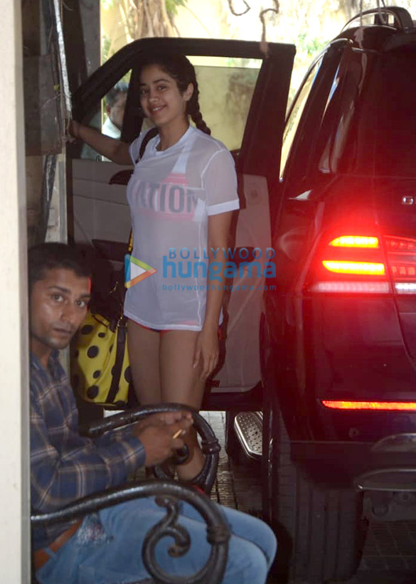 Photos Janhvi Kapoor snapped at the gym (1)