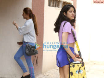 Photos: Janhvi Kapoor snapped at the gym
