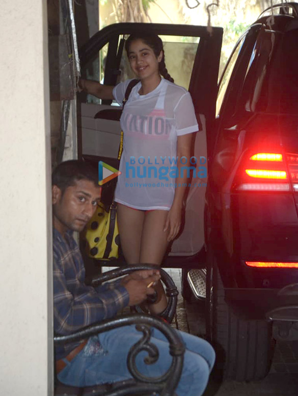 Photos Janhvi Kapoor snapped at the gym (4)