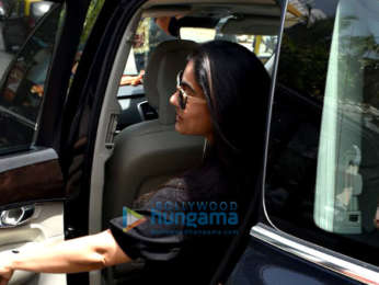 Photos: Kajol snapped at Hakim's Aalim salon in Versova