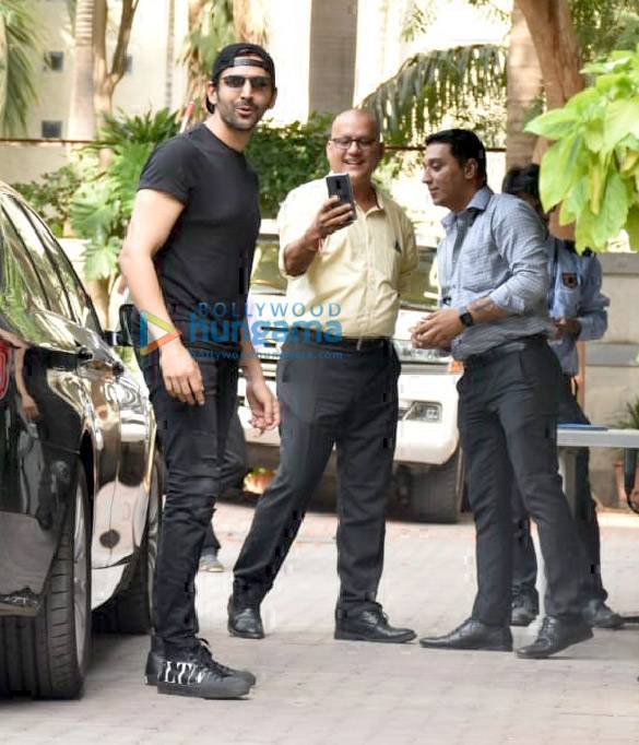 Photos Kartik Aaryan snapped post a meeting at Aanand L Rai's office