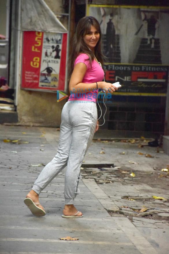 Photos: Kim Sharma spotted after dance rehearsal in Khar