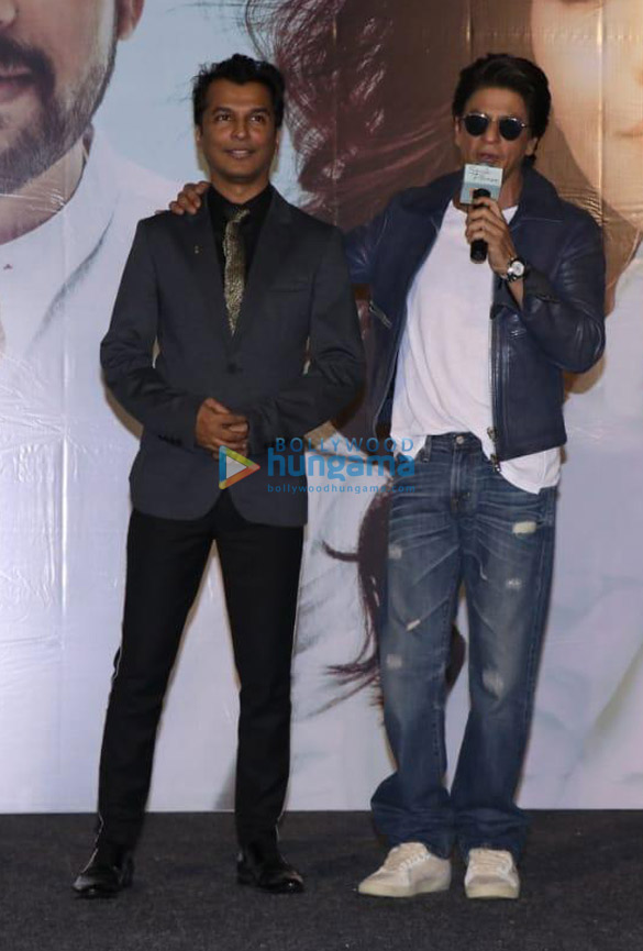 Photos Shah Rukh Khan and others grace the music and trailer launch of the Marathi film 'Smile Please' (1)