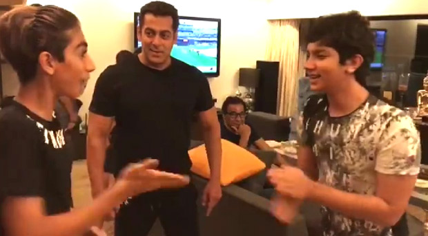 WATCH VIDEOS: Salman Khan is the most favourite 'mamu' while playing red hand game with his nephews Nirvaan, Arhaan & Ayaan
