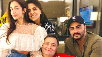Arjun Kapoor and Malaika Arora met Rishi Kapoor and Neetu Kapoor in New York and the picture is going to make your Friday better