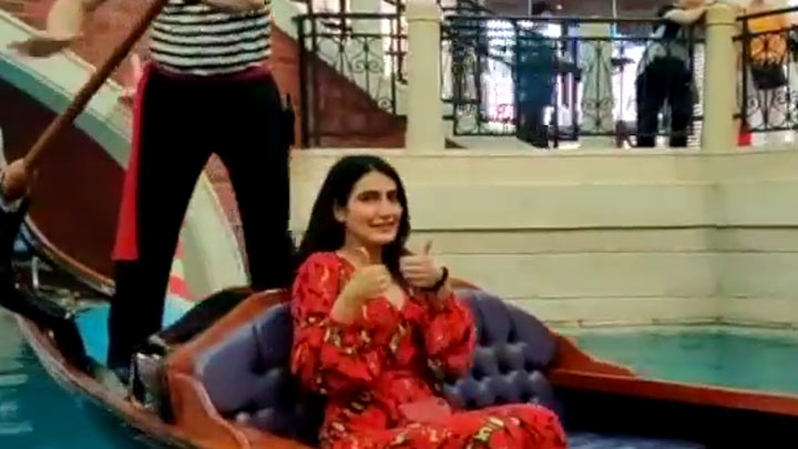 Fatima Sana Shaikh Goes On a Gondola Ride in Macao #FatimaKaHungama