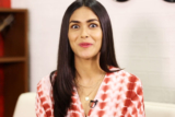 "Mrunal Thakur ""HRITHIK did not want to DISSAPPOINT…"" Movie with SRK Super 30 Batla House"