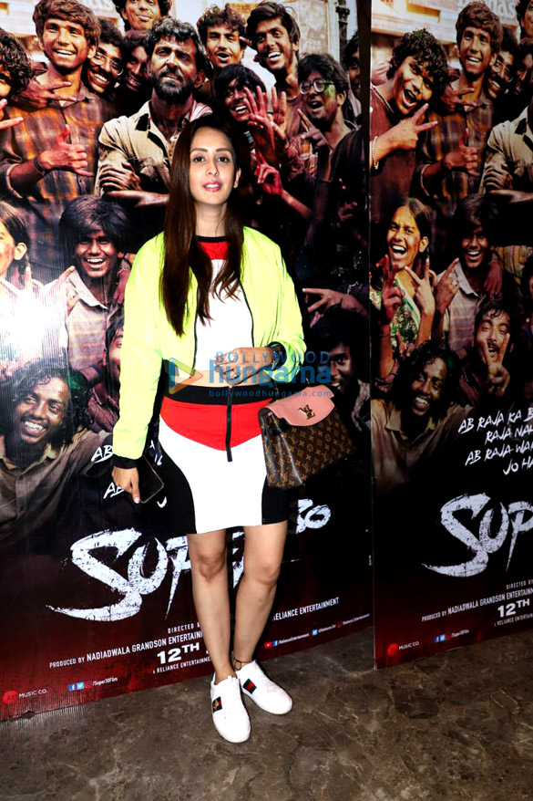 Photos: Hrithik Roshan, Urvashi Rautela and others grace the screening of Super 30