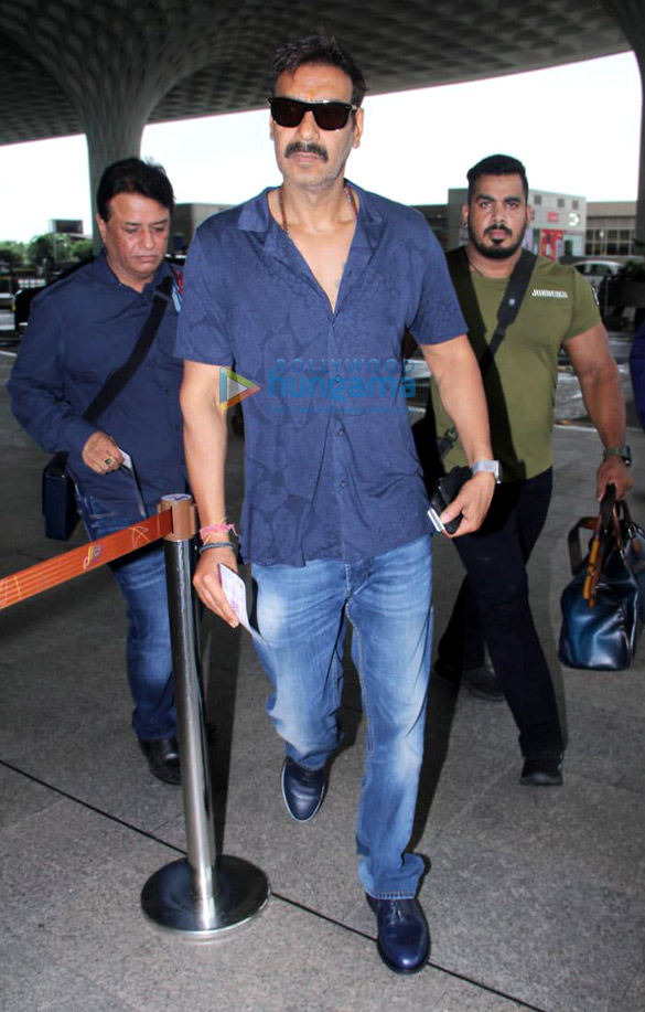 Photos Sara Ali Khan, Kartik Aaryan, Anil Kapoor and others snapped at the airport4 (2)