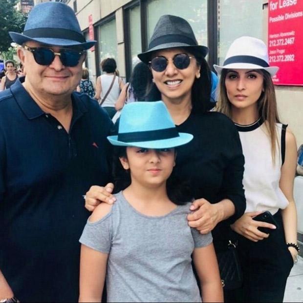 Rishi Kapoor and Neetu Singh are all smiles as they pose ...
