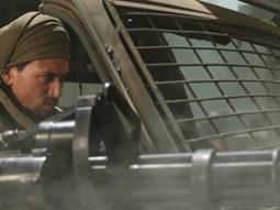 Tiger Shroff wields the world's most powerful machine gun in War!